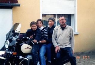 Famille_mai_2007__Large_.jpg